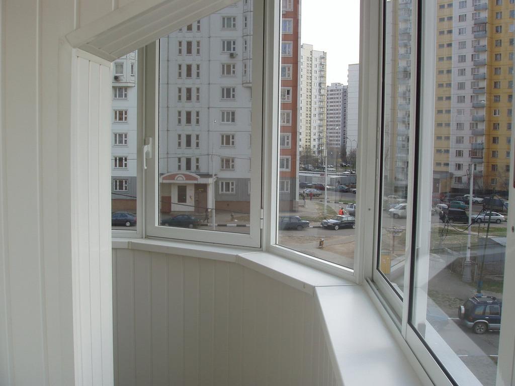 Moscow: окна rehau - остекление балконов, скидки, цена 3000 .